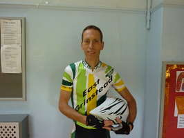 Steve Dennis (East Grinstead CC) wins Open 10 and 25